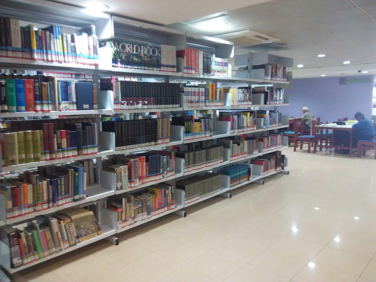 Suasana Perpustakaan Kemendikbud Senin sore (31/8/2015)