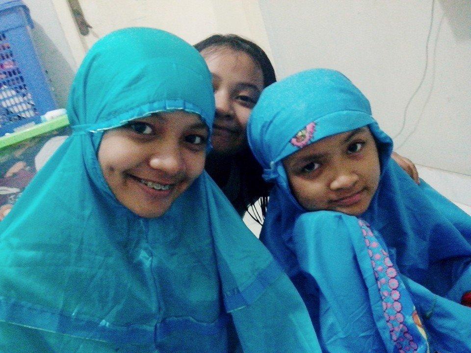 Sherina dan kedua adiknya